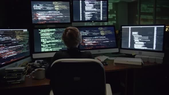 Woman Hacking the Net