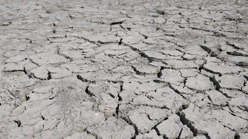 Trocknen des Seebettes durch Trockenheit