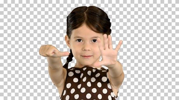 Schönes junges Mädchen trägt Polka-Dot, Alpha Channel