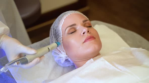Facial Treatments for the Lady