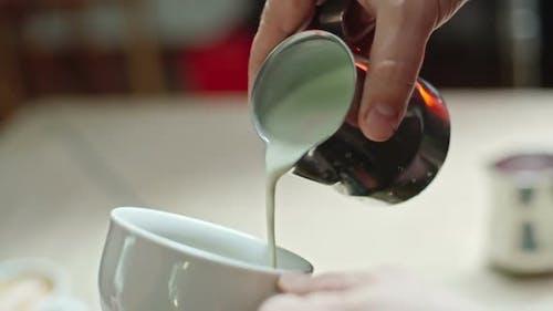 Barista machen Latte