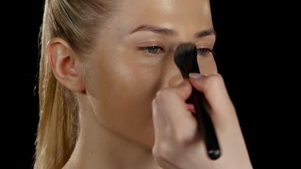 Thumbnail for Aplication Foundation. Make Up. Black. Closeup