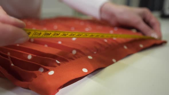 Thumbnail for Pleated Skirt During Measurement in Dry-cleaning