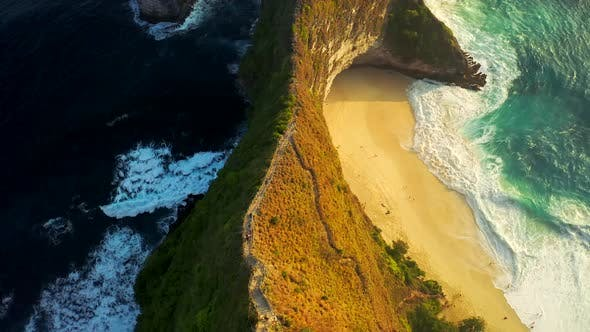 Thumbnail for Descending the Stairs To the Most Popular Spot in Nusa Penida Island, Kelingking Beach, Bali. Manta