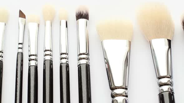 Cover Image for Cosmetic Brush 3