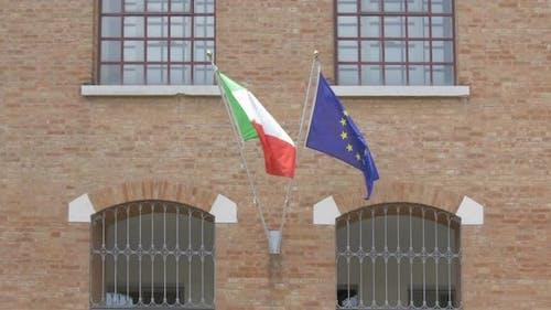 Flagge von Italien und Flagge von Europa