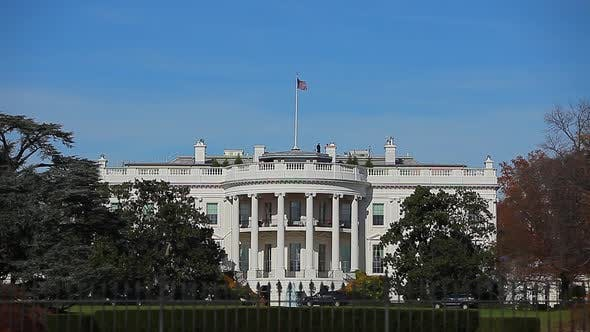Static shot of the White House in Washington DC from across the street