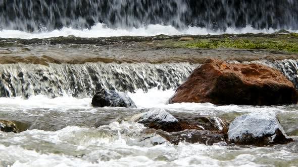 Thumbnail for Natürlicher Wasserfall und Fluss 10