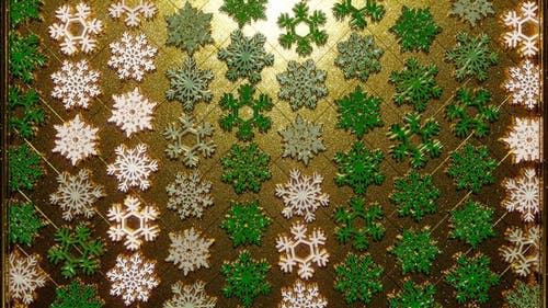 Rotating Golden Snowflakes Green 20