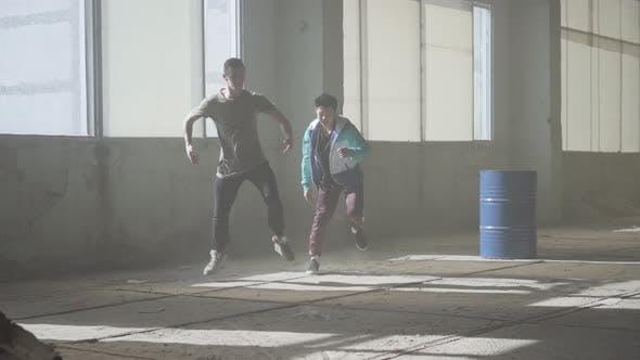 wo Man Successful Dancers Are Dancing Breakdance