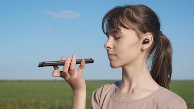 Speak on Wireless Earbuds