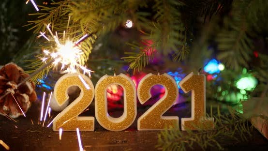 New Year's Figures 2021 with Christmas Tree and Garland.
