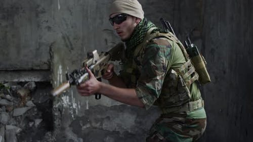 Sniper Aiming in Destroyed Building