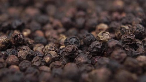 Seasoning black peppercorns