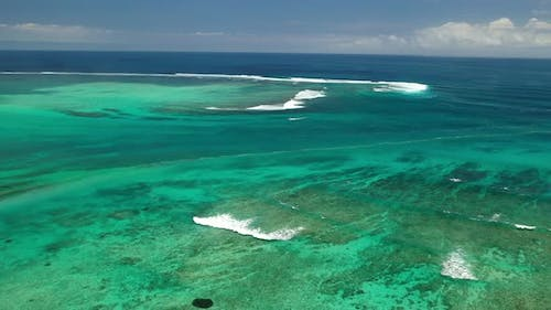 Mauritius island, waves in the Indian ocean, Coral reef in the Indian ocean