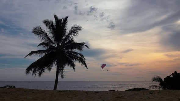 Cover Image for Parasailing