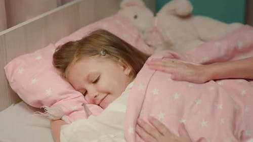 Mother Woman Wishes Good Night Child Daughter