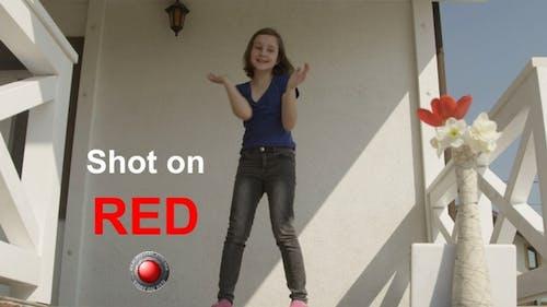 Vlogger Girl Dancing