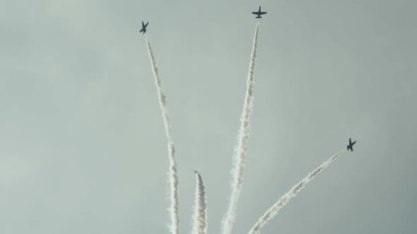 Thumbnail for Jet trainer aircrafts performance in battle formation