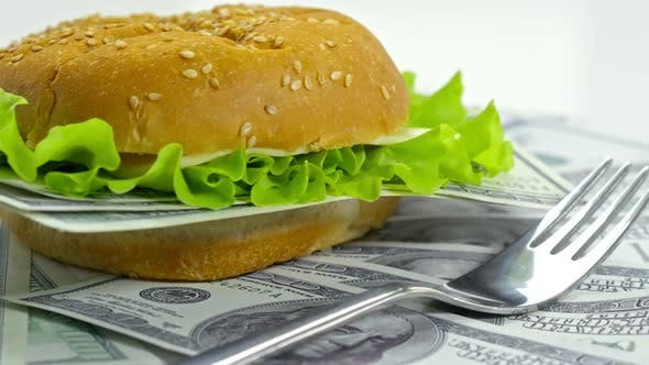 Cheeseburger with Money