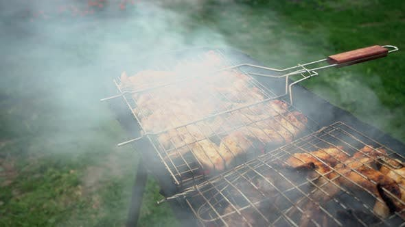 Chicken Wings Are Grilled.
