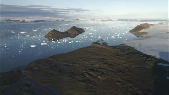 Thumbnail for Eisschollen auf Wasser