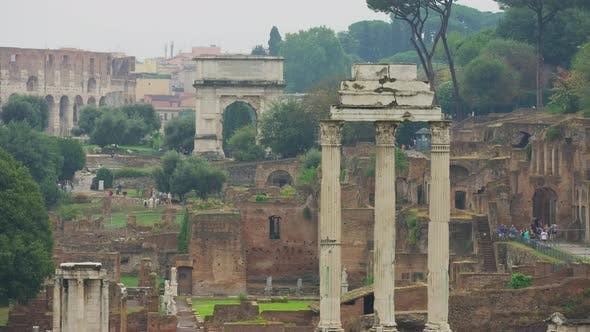 Thumbnail for Roman ruins in the city of Rome