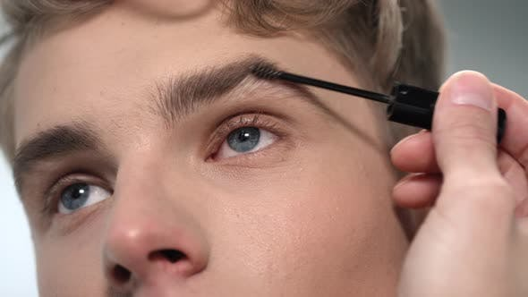 Thumbnail for Brushing and Coloring of Male Eyebrows