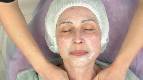 Lymphatische Gesichtsmassage für Erwachsene