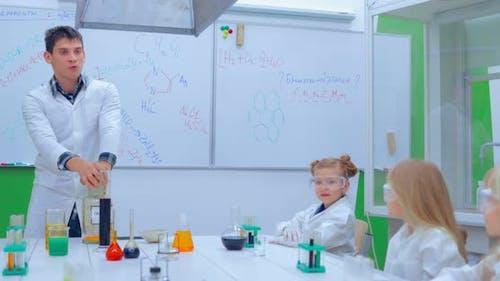 Elementary School Chemistry Class  Chemistry Experiments