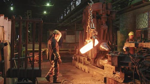 Plant Workers Manufacturing Forged Welding Rings