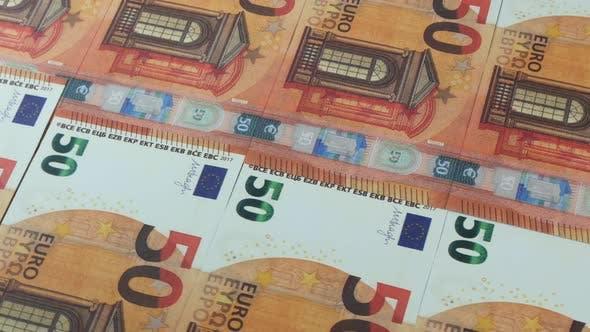 Thumbnail for Viele 50 Euro-Scheine auf der Oberfläche