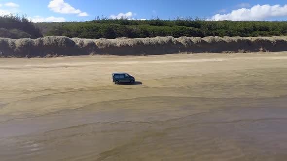 Thumbnail for Fahren am Strand am Meer