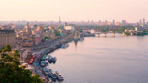 Kiew Hauptstadt der Ukraine. Panorama von Abend Kiew, Blick auf den historischen Teil von Kiew - Podil