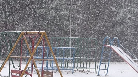 Cover Image for Snow And Playground