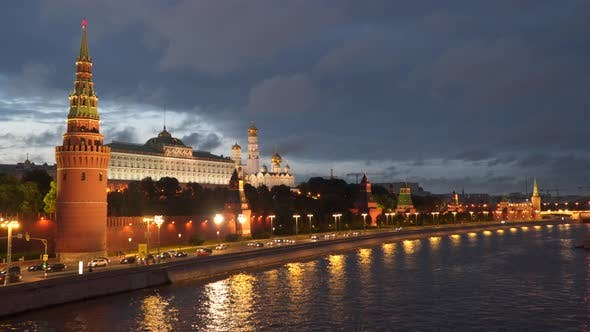 Thumbnail for Nachtansicht des Kreml-Damms