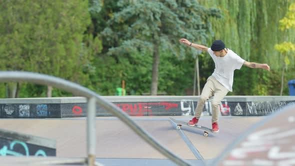 Thumbnail for Skater jumping