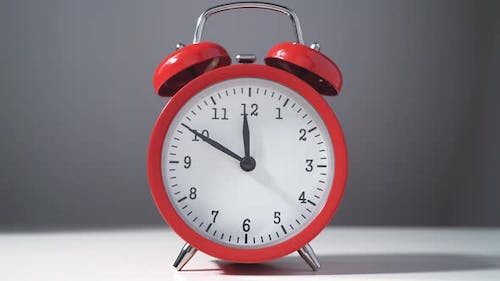 Vintage Red Alarm Clock with Fifteen Minutes Countdown