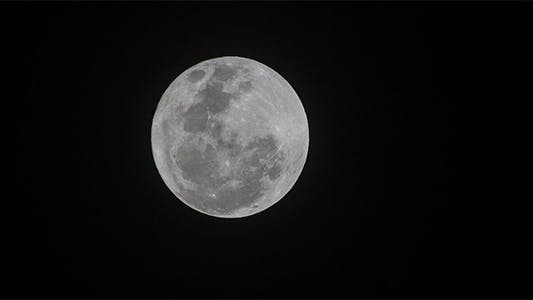 Thumbnail for 400mm Full Moon Time Lapse - 3K Resolution