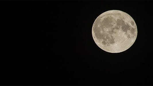 Thumbnail for 560mm Full Moon Time Lapse - 4K Resolution