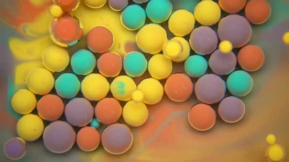 Cover Image for Colored Paint Bubbles Exploding