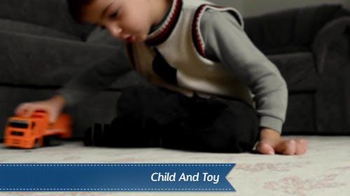 Kind Und Spielzeug