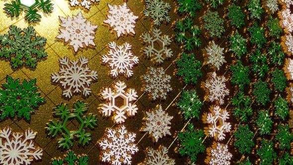 Rotating Golden Snowflakes Green 21