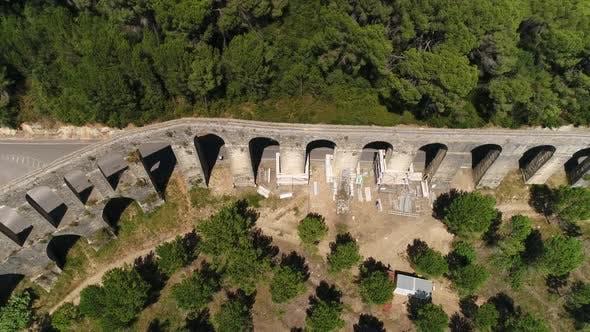 Thumbnail for Altes Aquädukt in Wartung