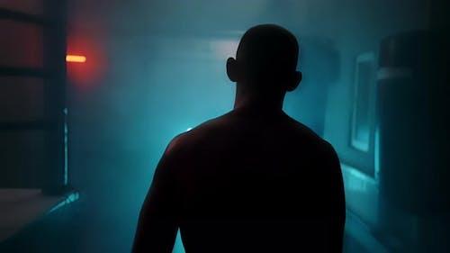 Dunkle Silhouette Mann