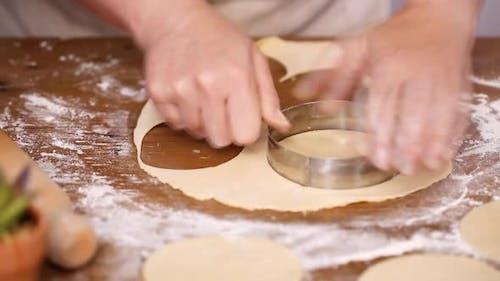Schritt für Schritt. Rollteig für hausgemachte Empanadas.