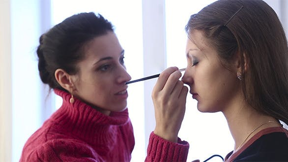 Cover Image for Make-Up