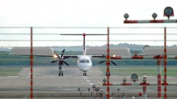 Cover Image for Turboprop Airplane Braking After Landing