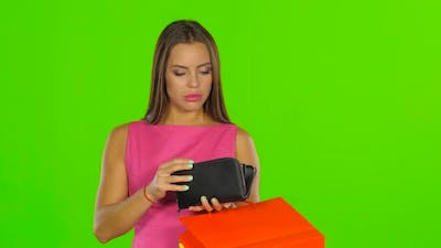 Empty Wallet or Pocket Concept of Poverty, Green Screen