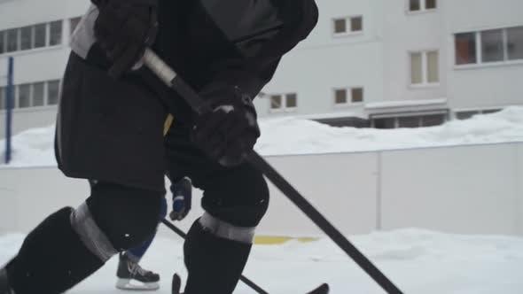 Hockey Puck Carrier